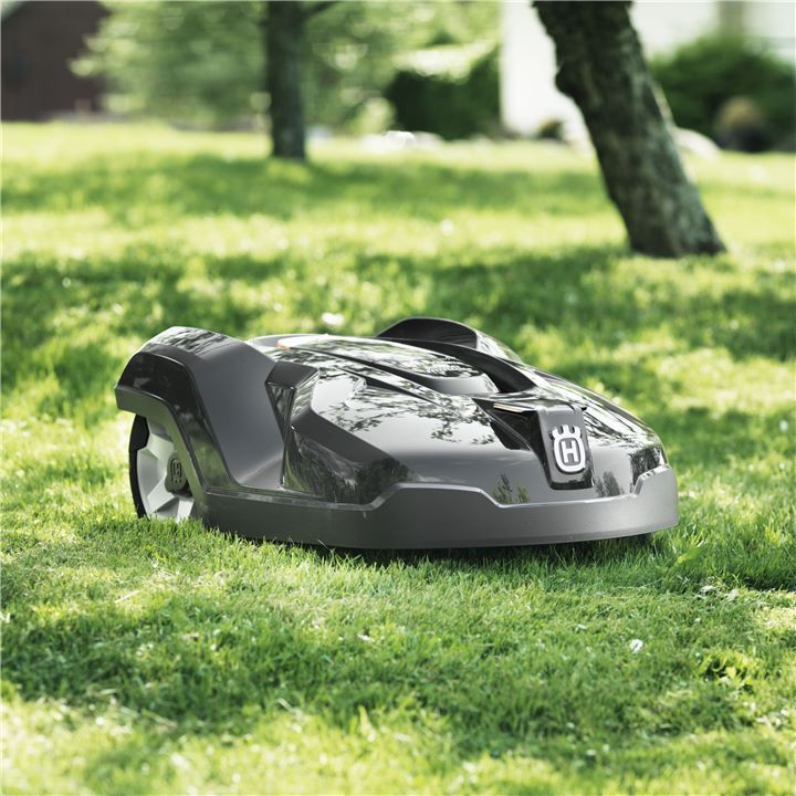 @HusqvarnaUSA's automatic #lawnmower, #Automower, will cut grass around the clock, resulting in a great looking lawn.