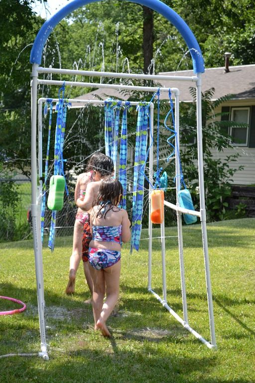 playing in the water ~ fun in the backyard ~ summertime activities for the kids