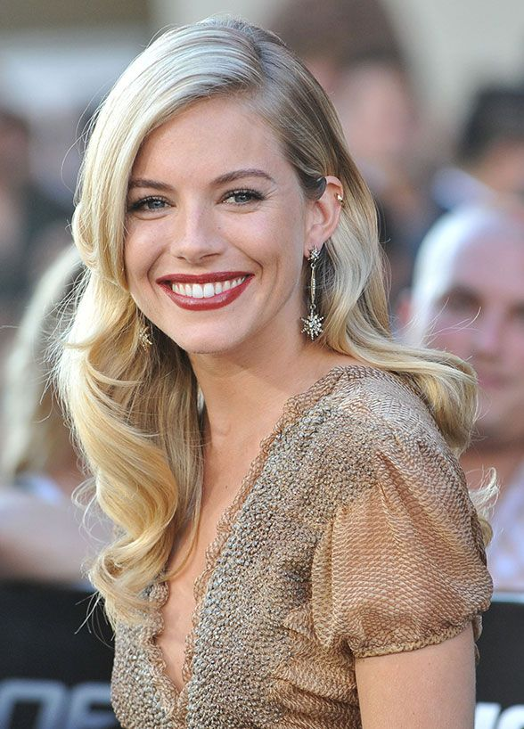 Sienna Miller – Natural Glow. Soft waves are an ideal choice for a beach wedding. Plus, you won't have to worry about your hair when you're tearing it up on the dance floor! Wedding Hairstyles, Celebrity Hairstyles