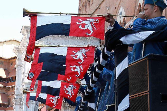 Palio of August 16, 2013: the assignment of the horses!! FOTOGALLERY http://www.sienafree.it/palio-e-contrade/palio/52631-palio-di-siena-del-16-agosto-2013-lassegnazione-dei-cavalli-fotogallery-1