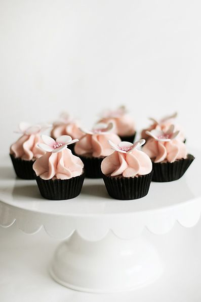 Lemon blueberry mini cupcakes by Call me cupcake