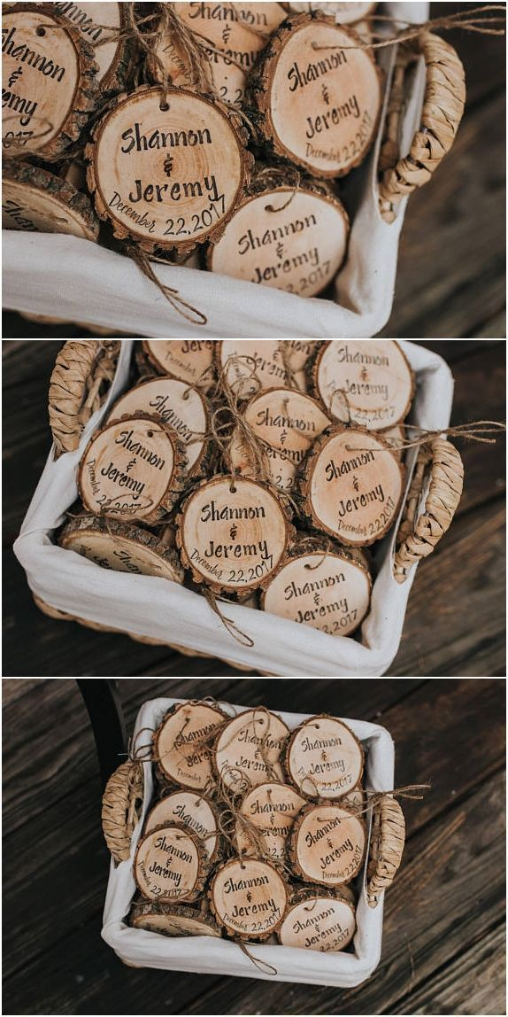 Personalized wedding favors! Rustic wedding favors! Wood slices, rustic, wedding, favors, Christmas ornaments, Christmas wedding favors! #WeddingFavors #weddingdecoration