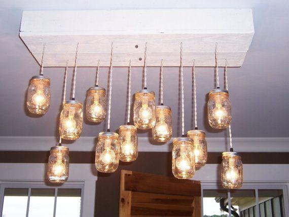 Il lampadario di legno del pallet Ivory Queen di TheHoneydew