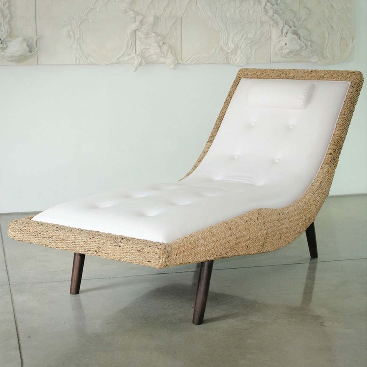 Issa Lounge Chair By Bannavis Sribyatta