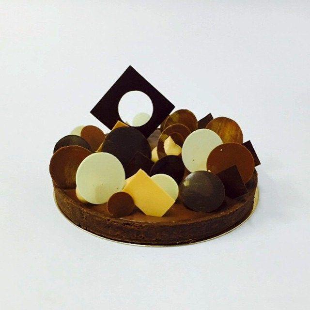 My valrhona chocolate tart for my class @sweetobsessionbkk Bangkok #bachour #valrhona   by Pastry Chef Antonio Bachour