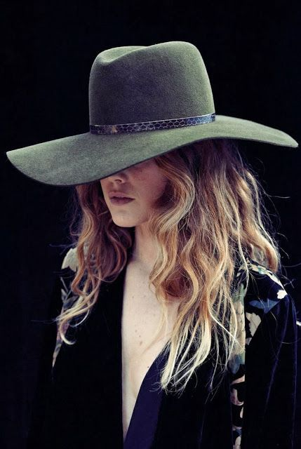 How to Chic: OVERSIZED HAT