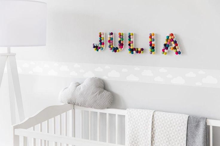 Le decorazioni per la cameretta dei bambini non saranno mai state così dolci. Scoprite come personalizzarla con questo colorato nome da parete fai da te.