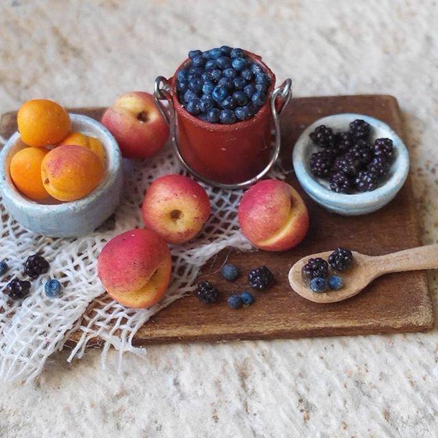 Miniature fruits