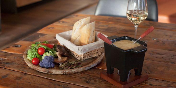 Dineren bij FINN in Almere ✓ Lekker eten ✓ Van de houtskool BBQ ✓ Midden in de stad ✓ Reserveer je tafel online