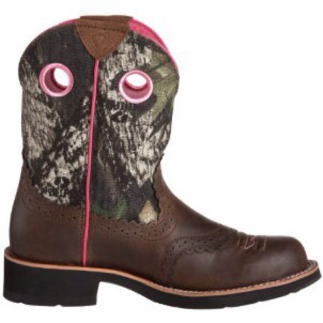 Mossy oak brand ariat fat baby cowgirl boots on their way to my house! ;)