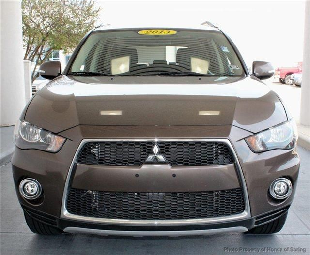 2013 Mitsubishi Outlander SE SE 4dr SUV SUV 4 Doors Mercury Gray Pearl for sale in Houston, TX Source: http://www.usedcarsgroup.com/new-mitsubishi-for-sale