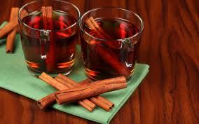 Need to Keep Your Blood Sugar Levels Steady? Drink Cinnamon Tea.    Drinking a cup of cinnamon tea immediately after eating, results in a slower rise in blood sugar levels over the next 2 hours. Compounds in cinnamon improve insulin sensitivity, which in turn keeps blood sugar levels steady, helping you to manage or prevent diabetes incidence, as well as metabolic syndrome problems including uncontrolled weight gain.