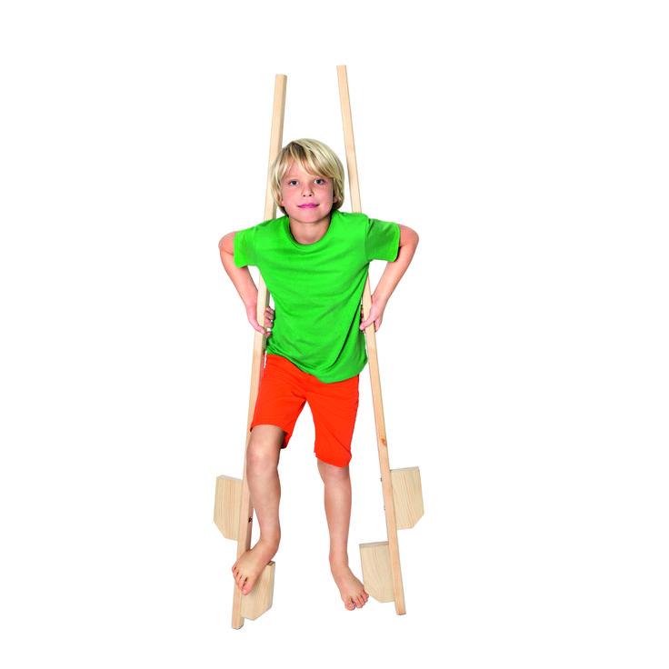 Szczudła to trudna sztuka, ale w wakacje dużo wolnego czasu pozwala na naukę. #nowosci #tigerpolska #tigerstore #play #game #fun #freetime #sport #child #children #dziecko #gift #prezent #wakacje #holiday #summer #summertime #lato #tigerdesign #tgrdesign #design #szkoła #school #backtoschool #szczudla #stilt #news