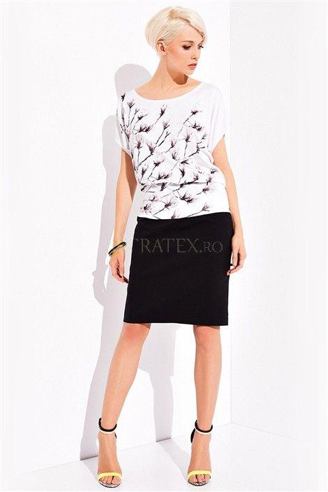 Fusta Heather - Fusta neagra de lux. Ideala atat pentru o tinuta business cat si pentru o intalnire de seara informala!