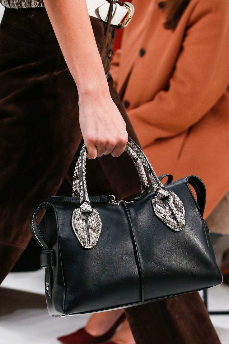 1ea45582584 Tod's Spring 2019 Ready-to-Wear Fashion Show in 2019 | Designer ...