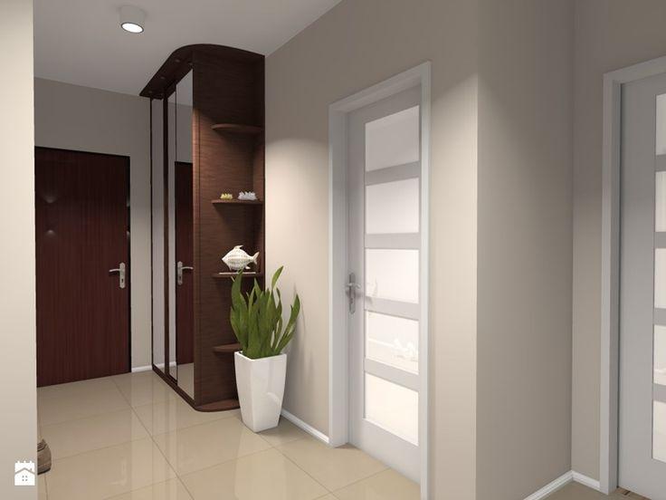 Połączenie ciemne drzwi zewnetrzne, jasne wewnętrzne, beż na ścianach i płytki