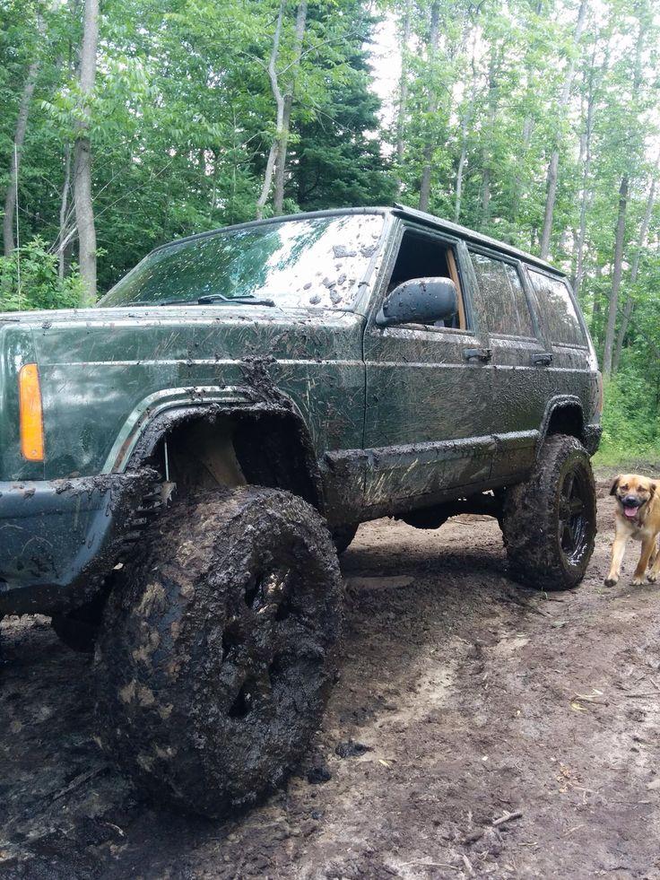 "Jeep XJ 4.5"" lift, 32"" tires, 17"" rims"