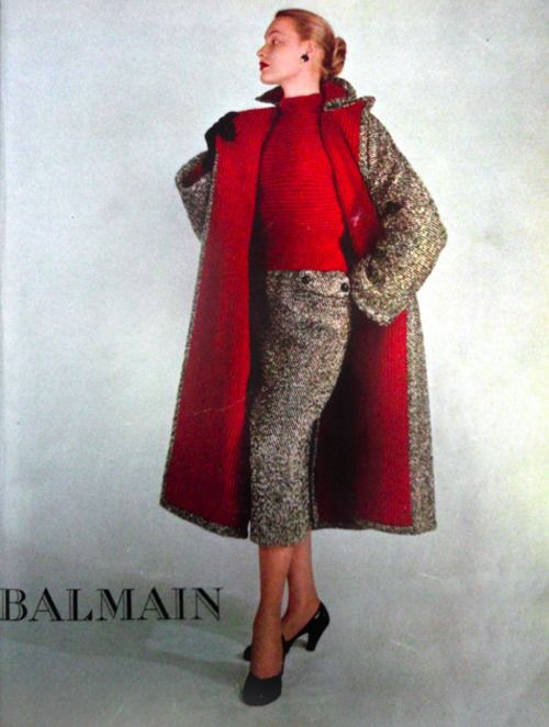 Vogue Paris 1951 model in Pierre Balmain #EasyNip