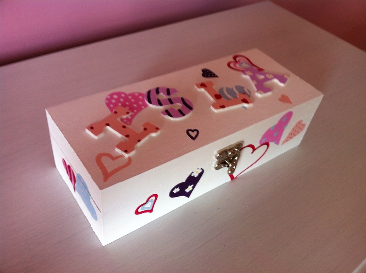Gorgeous heart design keepsake/jewellery box with 3 separate compartments. What girl wouldn't love this.