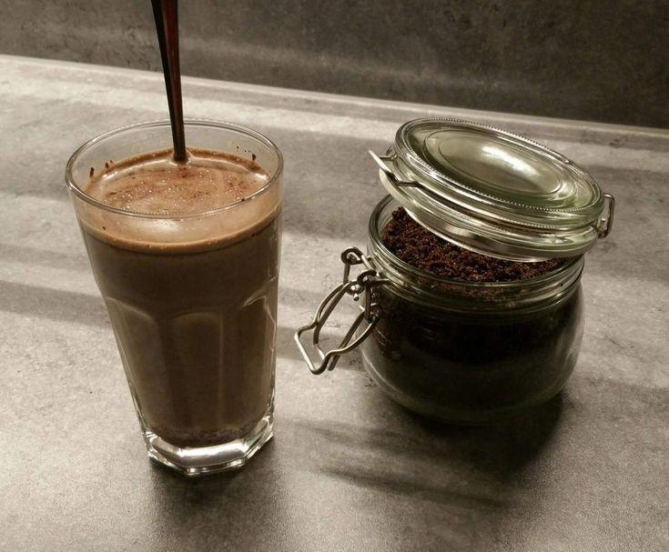 Rezept Variation von Marzipan-Trinkschokolade von BeaLach - Rezept der Kategorie Getränke