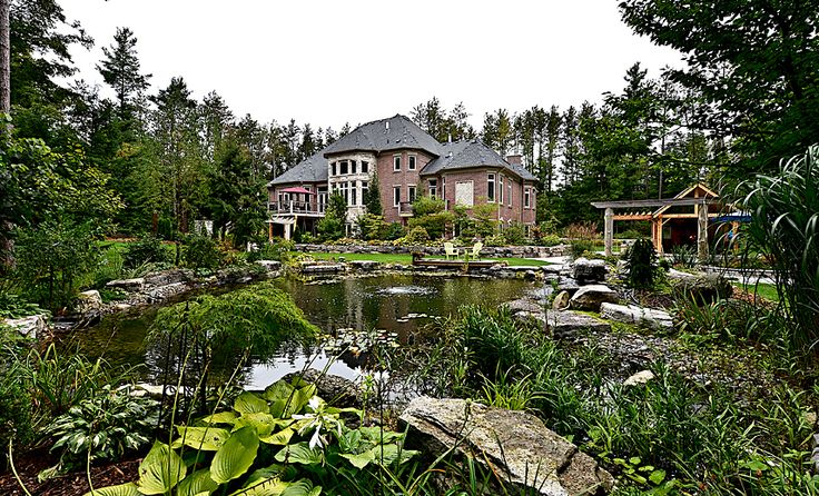 Storybook perfection at 29 Moraine Forest Trail. Stouffville #luxury