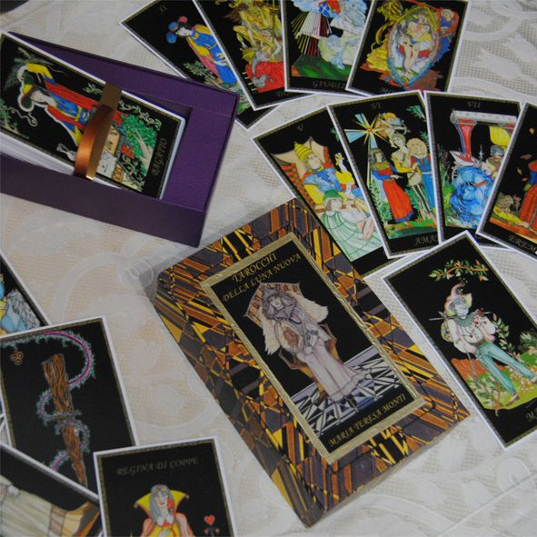 Box created by Letizia Rivetti for the TAROT OF THE NEW MOON 2013... LIMITED EDITION: 88 numbered boxes