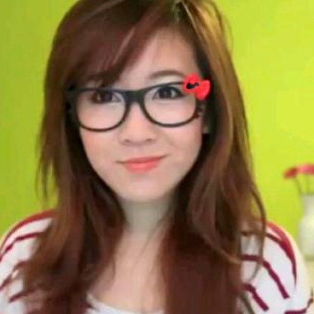 Bubzbeauty hair style layers and hello kitty glasses so cute Fashion hair accessories