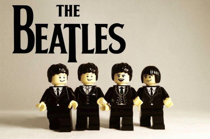 Artista cria coleção de Lego retratando bandas de rock e artistas do mundo da música