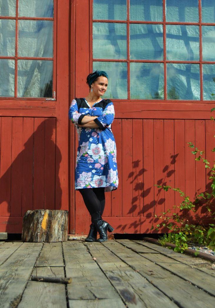 Nuppu Print Companyn ihastuttavasta kankaasta syntyi Japani-henkinen mekko, johon on yhdistetty myös kierrätysompelua. Kurkkaa blogista, miten! http://kototeko.blogspot.fi/2016/09/nuppu-print-company-japani-henkinen.html