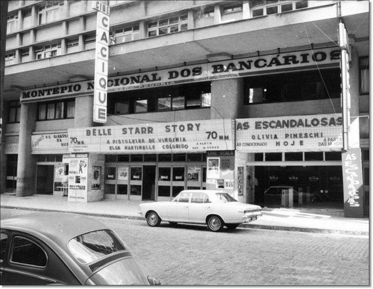 Cine Cacique e Cine Scala na rua dos Andradas déc. 1970.