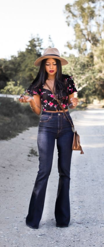 @walkinwondrland getting ready for festival season and heading to Coachella in head to toe Nasty Gal! Nasty Gal Denim Flares: http://www.nastygal.com/clothes/nasty-gal-the-bell-jean || Nasty Gal Floral Crop Top: http://www.nastygal.com/by-nasty-gal_tops/nasty-gal-bed-of-roses-crop-top || Fringe Crossbody Purse: http://www.nastygal.com/accessories-bags-backpacks || Panama Hat: http://www.nastygal.com/accessories-hair-hats