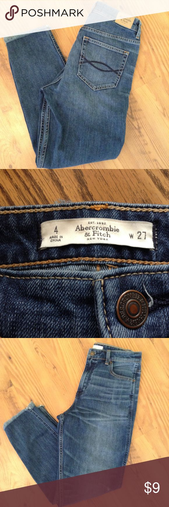 Abercrombie Jeans ⦁    Abercrombie Jeans ⦁    Pre-Owned Condition/Bottom Of legs have been cut ⦁    Womens Size 4 ⦁    Inseam 26 Abercrombie & Fitch Jeans