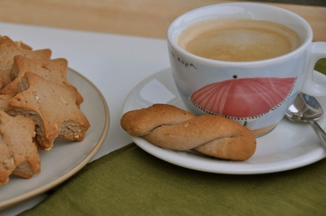 Lenten Desserts and Sweets: Koulourakia with Wine