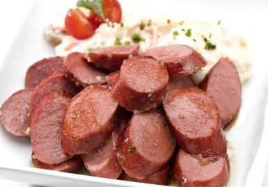 This Applesauce Kielbasa Makes for an Easy Party Appetizer