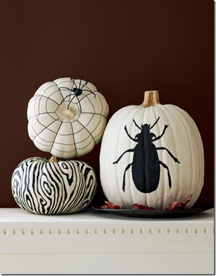 black and white pumpkins, love the painted pumpkin ideas