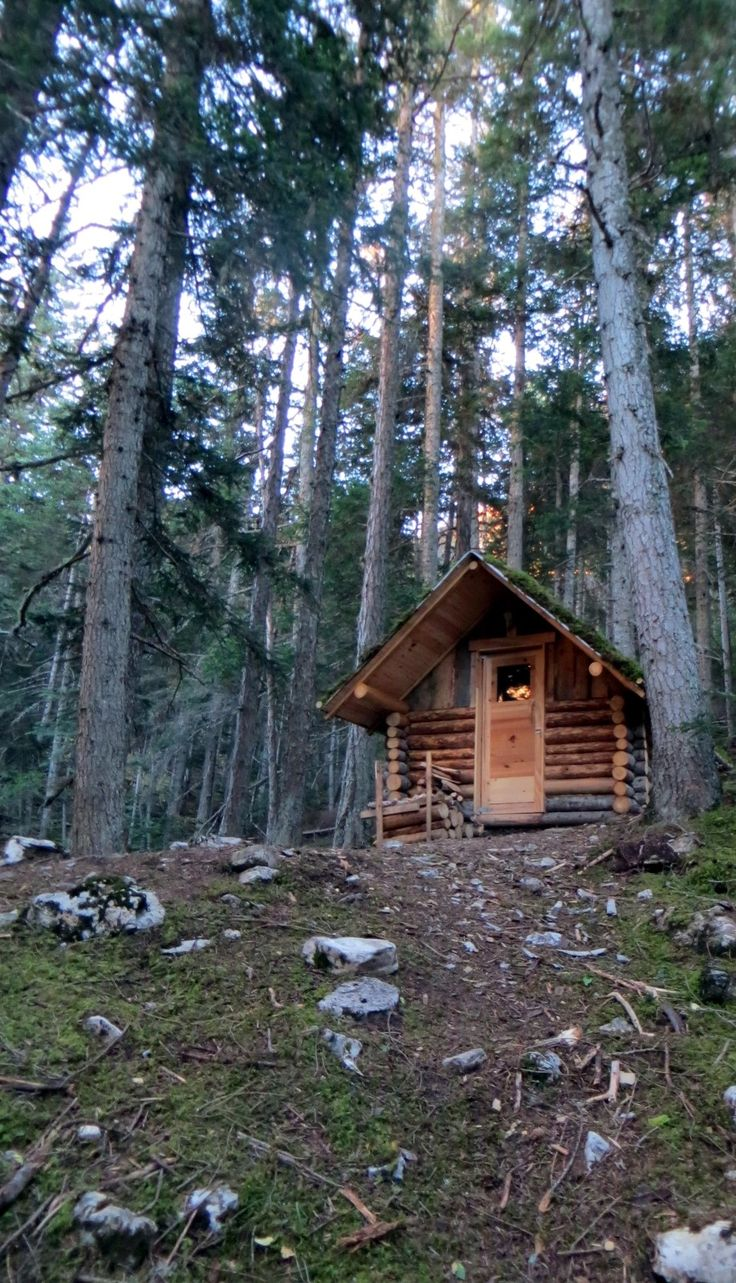4956 best cabins and rustic decor images on pinterest for Rustic hunting cabins