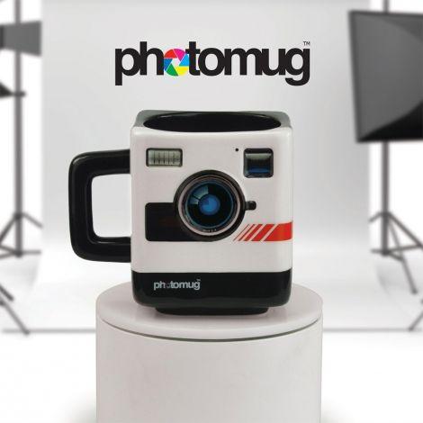 Pour les assoiffés de la photo, voici ce mug au look totalement rétro, qui reprend les traits d'un célèbre appareil photo des années 80. En céramique, d'une grande qualité et soin des détails.