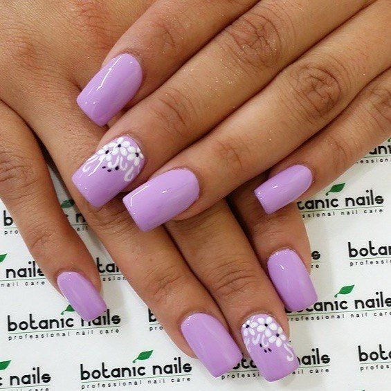 April nails, Delicate spring nails, flower nail art, Lilac gel nail, Pale nails 2016, Plain nails, Purple nails, ring finger nails