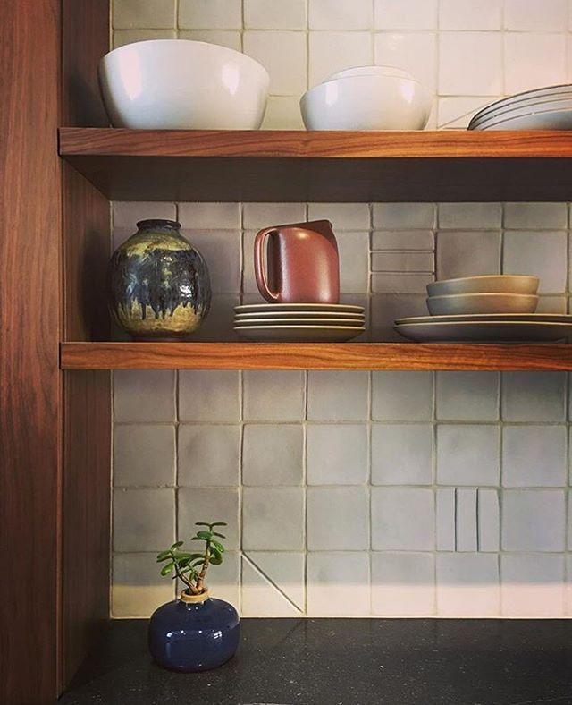A kitchen peek, courtesy of @shapirojoyalstudio