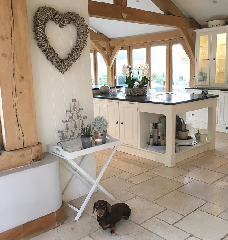 'Is it supper time yet?'..... @delilahtheminidaxie #minidachshund #dogsofinstagram #home #kitchen #interiors #countryinteriors #oakframe #house