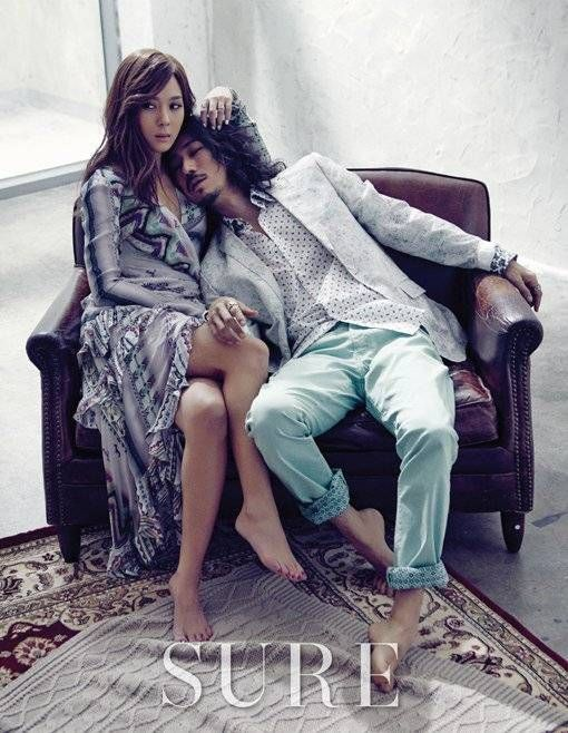 Nine-year married couple and hip hop artists Tiger JK and Yoon Mi Rae shot a couple pictorial for the February issue of 'Sure' magazine.