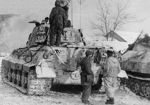 sPz.Abt.509 Tiger II in Hungary 1945   Panzertruppen   Flickr