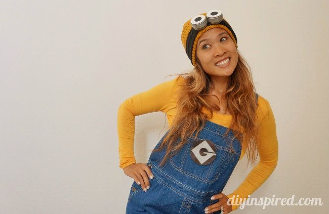 How to make a last minute DIY adult Minion costume including how to make DIY Minion goggles and a Minion logo.