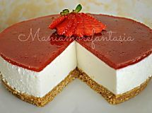 Ecco una terza versione di cheesecake senza cottura, in più è la versione più semplice che ho sperimentato, molto versatile...