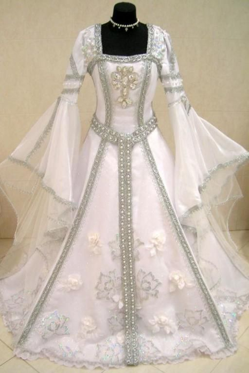 SILVER MEDIEVAL WEDDING DRESS VICTORIAN GOTHIC LARP M-L-XXL 12-14-16 WICCA ROBE | the Wicca Collectionary