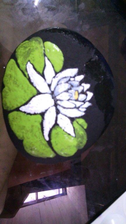 Otro ejemplo de piedra pintada