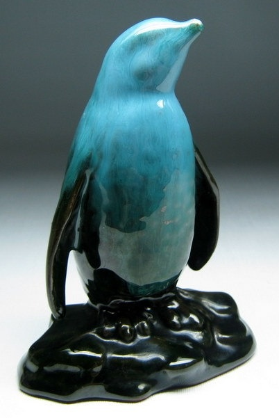 vintage BLUE MOUNTAIN POTTERY of canada penguin by jumpinacrater etsy.com