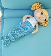 """free crochet pattern for Mermaid tail  to fit a 9"""" or 12"""" doll"""