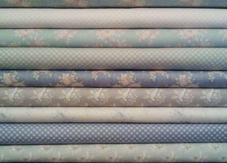 ¿Qué no conocéis aún la nueva colección de Tilda? Primavera-Verano 2014, un conjunto de telas de suaves y cálidos colores, con ellas conseguirás preciosos trabajos. Fíjate y ayúdate con cualquiera de sus libros.  http://coseycanta.com/es/458-telas-tilda http://coseycanta.com/es/452-libros-revistas-patchwork?id_category=452&n=50