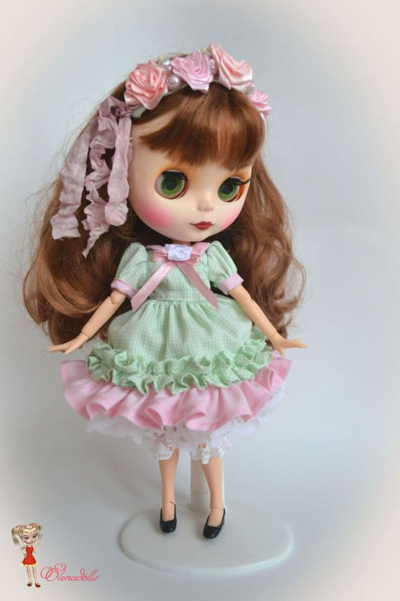 Set for Blythe cream cake.Dress Blyth.   for